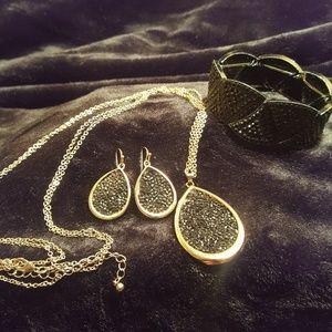 Avenue  Black and Gold Fashion Set